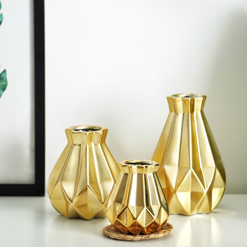 Gold Matt Diamond Vase